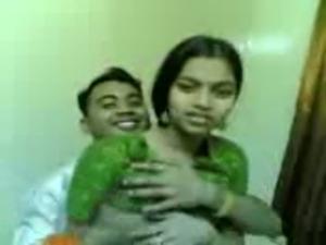 Desi Beautiful Indian Girl Fucking UPORNX.COM free