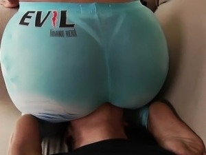 Big ass booty babe getting rimjob