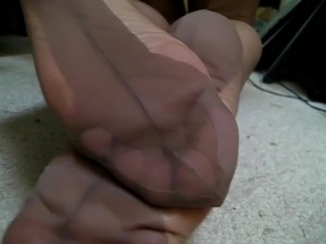 Brown FF stockings. Foot video! No cum....:(