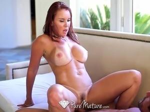 Bathing Janet Mason gets juicy creampie