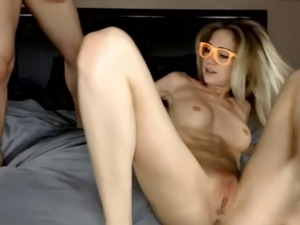 skinny girl squirts then gets fucked