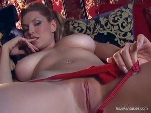 Jamie Lynn is a gorgeous woman with big tits and