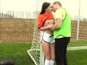 Dutch football player boinked by photographer