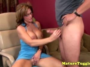 Mature handjob lover spoiling guys dick