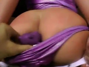 Big ass gives lap dance