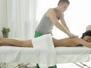 Doing a lusty split with hot luscious hottie