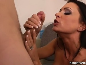 Big breasted brunette woman Jessica Jaymes is one on one