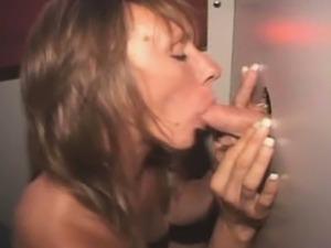 Mature Amateur Slut Smoking Pole At A Glory Hole