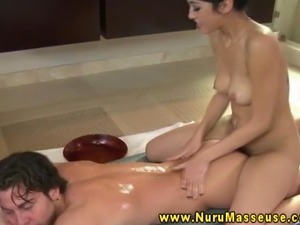 Asian masseuse babe orally pleasing lucky client
