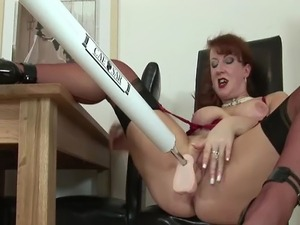 Mature solo brit hoe in stockings gets off with fuck machine