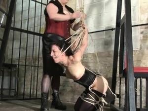 Kinky Elise Graves lesbian bondage