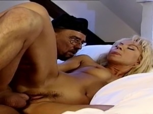 German Vintage - Sexy MILF wake up with Fuck by Big Dick