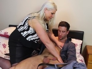 blonde mature bbw fucked by her neighbour
