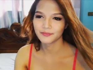 Sassy classy tranny seduces with sexy body and lady cock