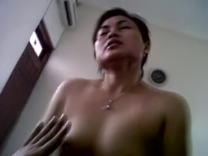 indonesian milf kartika sari having an orgasmic ride