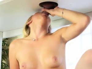 Hot masseuse squeezes cum