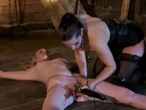 Dominant Bobbi Starr Having funtime around Submissive Hydii May inside Lez...