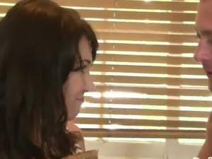 RayVeness has Her Bum eaten And banged inside A Kitchen