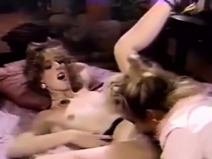 Blonde Finds Bev Masturbating