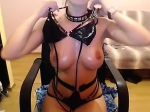 Camslut does hot models dressed in latex