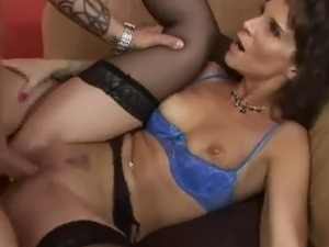 Sexy cougar in lingerire fucks gr8 (TOP MILF)