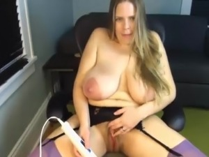 A Primer - Mature mom saggy big huge natural tits masturbate