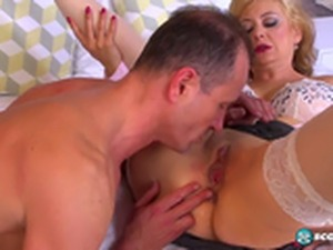 Veronique Goldie BreakTime For Anal