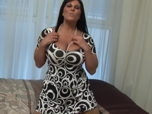 Exotic housewife goes totally naked and pushes the toy into herself