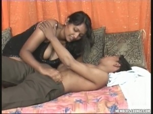 Chubby Indian girlfriend Reshma is eager to fuck her boyfriend on cam