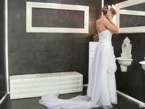 Bride receives her wedding present at a dirty gloryhole