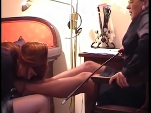 Young sniff mature Lady nylon feet 2