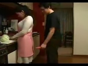 Mysterr - Teasing Mom In The Kitchen 2