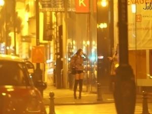 real prostitute in the street pute dans la rue