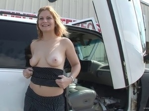 Outdoor POV with Solo model playing with her sexy body on cam