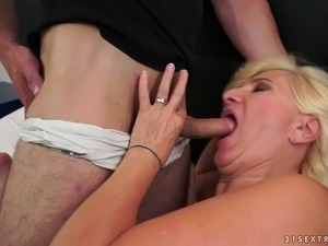 That young dude likes eating drooling old pussy of a blonde granny