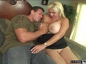 Cougar with big tits gets facial cumshot after hardcore ravish