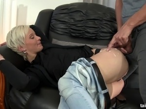 Short hair blonde in jeans having her pussy penetrated doggystyle