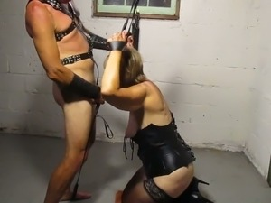 Trashy amateur mom sucking big dick balls deep in homemade BDSM clip