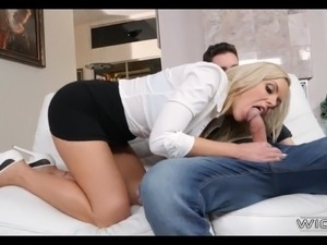 Daytime Fuck with Blonde Cougar