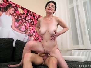 Sassy Pixie hammered missionary and doggystyle in hardcore vid
