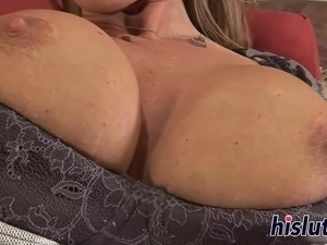 Fantastic Devon Lee rides a big dong