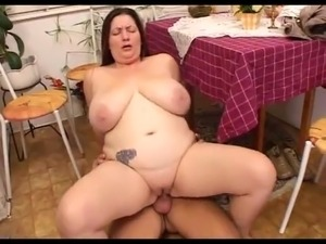 amateur bbw fucks in the kitchen